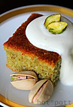 Vegetarische Weltreise Marokko: Pistazienkuchen The Effective Pictures We Offer You About Arabic swe Sweets Recipes, Cake Recipes, Dessert Halloween, Bon Dessert, Pistachio Cake, Arabic Sweets, Sweet Cakes, Cakes And More, Food Cakes