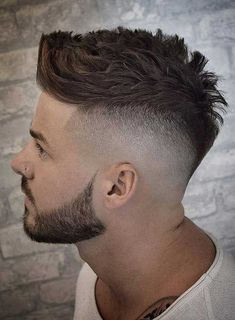 High Skin Fade With Messy Quiff – Top 35 Modern Hairstyles For Men Mens Modern Hairstyles, Quiff Hairstyles, Cool Hairstyles For Men, Modern Haircuts, Haircuts For Men, Japanese Hairstyles, Korean Hairstyles, High Skin Fade, Mid Fade Haircut