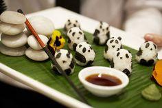 28 Unusually Eye-Catching Meals Inspired by Japanese Cuisine - Panda Sushi Amazing Food Art, Cute Food Art, Creative Food Art, Love Food, Awesome Food, Creative Ideas, Arte Do Sushi, L'art Du Sushi, Sushi Art