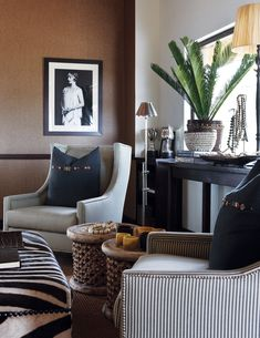 The three luxury suites of Londolozi Pioneer Camp showcase safari design experience spanning four decades and leaving guests with a lasting impression. Beautiful Houses Interior, Beautiful Homes, Pioneer Camp, New Farm, Game Reserve, Living Room Colors, Boho Decor, Safari, Crystal Chandeliers