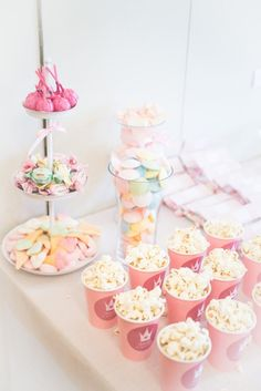 NOELIAS DOP – FIKA | Emilysliv Festa Party, I Party, Baby Birthday, Birthday Parties, Party Places, Fika, Pink Parties, Dessert, Snack