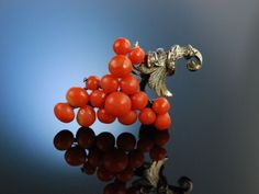 Antique Grape Coral Brooch! Italien um 1900, Brosche Weintrauben Sardegna Koralle