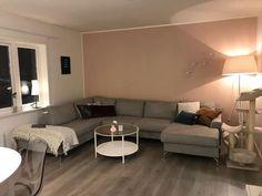 @mspresley Couch, Furniture, Nye, Robin, Lisa, Home Decor, Beauty, Pintura, Asylum