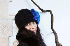 uncinetto moda e fantasia:    cappellino in lana e acrilico, lavorazione ad u...