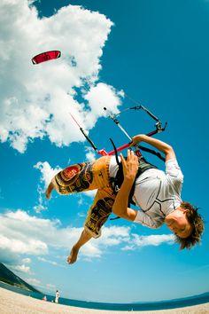 Little Kitesurfer. Kitesurfing freestyle
