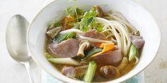 Recept groentesoep met oosterse toets en reepjes rundvlees