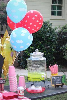Peppa Pig themed birthday party. Pig Birthday, Birthday Party Themes, Birthday Ideas, Pig Party, Peppa Pig, Turning, Celebrations, Holidays, Table Decorations