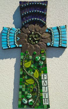 "🔵 Mosaic Cross - ""Faith"" via Etsy. Mosaic Crosses, Wooden Crosses, Crosses Decor, Wall Crosses, Mosaic Crafts, Mosaic Projects, Mosaic Art, Mosaic Glass, Fused Glass"
