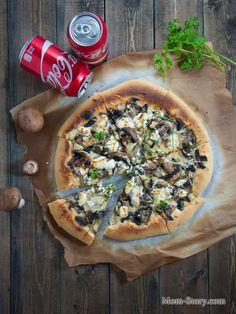 Тонкая пицца с грибами и козьим сыром - Mom Story