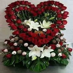 Valentine Flower Arrangements, Basket Flower Arrangements, Funeral Floral Arrangements, Tropical Floral Arrangements, Rose Arrangements, Beautiful Flower Arrangements, Beautiful Flowers Garden, Unique Flowers, Beautiful Roses