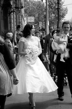 Elizabeth de Varga tea length gown worn by stunning real bride Lauren <3