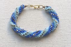 step by step for 2 color spiral rope variation ~ Seed Bead Tutorials
