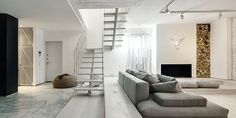 This white apartment in Kiev makes a strong case for monochromatic design. Regardless of practicality, an almost entirely white apartment looks fantastic. India Home Decor, Home Decor Online, Home Decor Store, Interior Design Hashtags, Best Interior Design, Interior Modern, White Apartment, Duplex Apartment, Apartment Interior