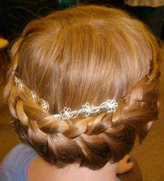 Flower girl hair by Rochelle Noone Bridal hair , bridesmaid hair , bridal hair , bridal party hair , by Rochelle Noone on location bridal hairstylist Pittsburgh Pa .