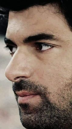 Turkish Men, Turkish Fashion, Turkish Actors, Womens Day Quotes, Handsome Faces, Black Love, Best Actor, Cool Photos, The Incredibles
