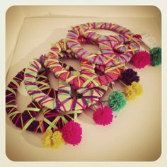 Símbols de la Pau Paz Hippie, Hippie Peace, Hippie Chic, Peace Crafts, Arts And Crafts, Diy Crafts, Birthday Supplies, Quilling, Peace And Love