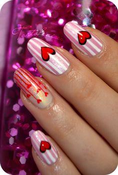 Nail art de la St Valentin : coeurs inversés en papier foil