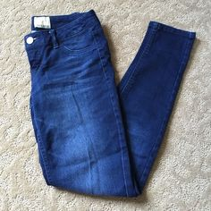 """Arden B skinny jeans Arden B dark blue stretch skinny jeans. Like new condition. Soft and stretchy. About 28"""" inseam. Arden B Jeans Skinny"""