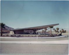 Enco Gas Station Palm Springs California (aka Tramway Gas Station), by Albert Frey. Now the Palm Springs visitors center. Palm Springs Hotels, Palm Springs California, California Usa, Southern California, Albert Frey, Palm Springs Mid Century Modern, Modernism Week, Beton Design, Old Gas Stations