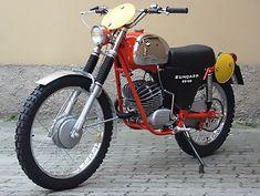 Enduro Motorcycle, Motorcycle Posters, Bmw Motorcycles, Vintage Motorcycles, Motorcycle Campers, 50cc Moped, Enduro Vintage, Vintage Motocross, Vintage Bikes