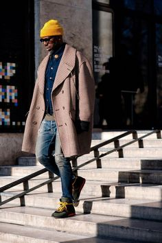 The best-dressed men on the streets of Paris for the Autumn Winter 2017  collections 64729ec63a