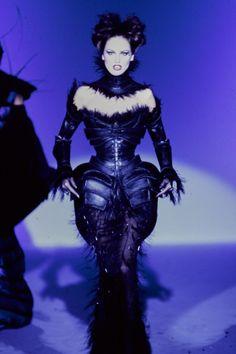 http://www.vogue.com/fashion-shows/spring-1997-couture/mugler/slideshow/collection