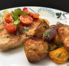 ROSTADE GRÖNSAKER & MOZZARELLAFYLLD QUORNFILÉ! | Lyanders gröna kök Mozzarella, Meat, Chicken, Food, Essen, Meals, Yemek, Eten, Cubs
