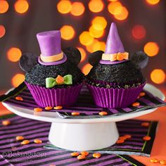 Mickey and Minnie Halloween Cupcakes by Bakingdom - Mickey Halloween Party, Mickey Birthday, Halloween Items, Halloween Birthday, Disney Halloween, Cute Halloween, 3rd Birthday, Birthday Ideas, Halloween Cupcakes Decoration