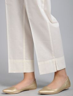 Kurti Sleeves Design, Sleeves Designs For Dresses, Dress Neck Designs, Blouse Designs, Fancy Dress Design, Stylish Dress Designs, Trousers Women, Pants For Women, Salwar Pants