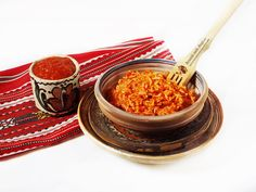 Orez cu sos de ardei copt Chili, Curry, Vegetarian, Healthy Recipes, Salads, Curries, Chile, Healthy Eating Recipes, Chilis