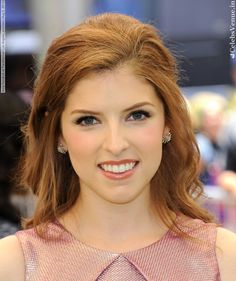 "Anna Kendrick joining Rob Marshall& ""Into the Woods"" as . Anna Kendrick Pitch Perfect, Anna Kendrick Cup Song, Anna Kendrik, Rob Marshall, Celebrity Smiles, Beautiful Redhead, Beautiful Women, Hollywood Actor, Her Smile"