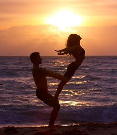 http://pinterest.com/toddrsmith/boards/ - couple on sunset beach - #S0FT -