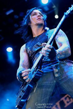 I love you Synyster Gates