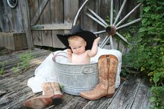 Love the boots and wagon wheel. add blanket and Co op hat? Old wash tub way cute Toddler Pictures, Newborn Pictures, Newborn Baby Photography, Children Photography, Baby Boy Photos, Western Baby Pictures, Baby Tub, Western Babies, First Birthday Pictures