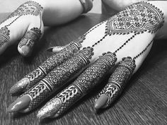Latest Arabic Mehndi Designs Henna Trends Collection consists of stylish and beautiful mehndi patterns to try on events, festivals, weddings, etc Latest Arabic Mehndi Designs, Mehndi Designs 2018, Unique Mehndi Designs, Beautiful Henna Designs, Beautiful Mehndi, Henna Tattoo Designs, Bridal Mehndi Designs, Mehandi Designs, Hena Designs