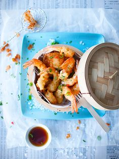 Tempura-prawns-in-a-steamer-basket
