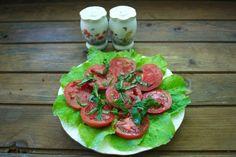 Roşiile, atât de prezente în meniul fiecărei zile de vară, pot fi şi un bun ajutor în curele de slăbire. Iată o dietă care, pe lângă faptul că te va hidrata, te ajută să scapi de 4 kg în două săptămâni. Dacă ar fi să alegi cea mai bună legumă pentru o dietă, aceasta ar fi cu siguranţă roşia. De c