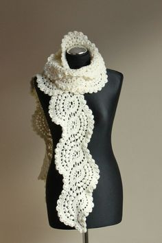 gorgeous scarf, but no pattern, will have to try to create on my own!!!