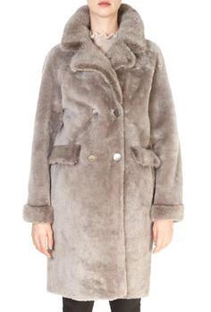 This is the stunning 'Roxane' Classic Beige Sheepskin Coat from our friends at Giovanni! SHOP NOW! Mink Colour, Black Faux Fur Coat, Taupe, Beige, Sheepskin Coat, Shop Now, Classic, Clothing, Jackets