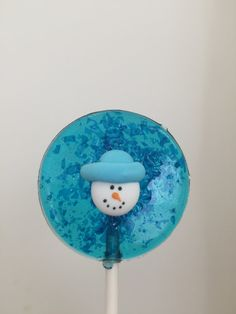 Yum yum! These Tutti Frutti flavored snowmen lollipops make great stocking stuffers for kids who love sweets!
