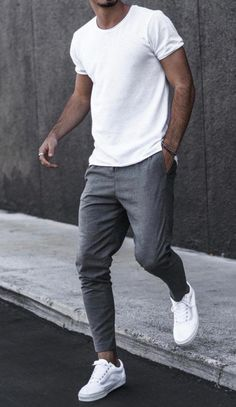 5 Classy White Shirt outfit ideas for Men - A white t-shirt or shirt is a timeless clothing item for men any guy can look amazing in a simple t - Suit Fashion, Fashion Outfits, Fashion Menswear, Fashion For Men, Classy Mens Fashion, Fashion Ideas, Fashion Night, Fashion Rings, Fashion Apps