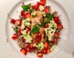 When the weather get warmer I gravitate towards bright crunchy and light meals. This Salmon with Summer Salsa recipe is just that! Summer Salsa, Salsa Recipe, Light Recipes, Cobb Salad, Salmon, Meals, Food, Skinny Recipes, Meal