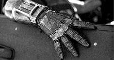 The latest photo from Logan shows a mysterious metal hand, possibly belonging to one of the Reavers in the X-Men/Wolverine film. Faye Valentine, Cowboy Bebop, Private Eye, Fullmetal Alchemist, Donald Pierce, Nero Dmc, Star Trek, Howleen Wolf, Logan