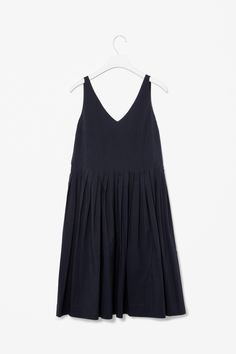 COS | V-neck pleated dress