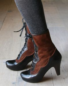 Chie Mihara, Casandra - these complete my need for victorian boots. Steampunk Shoes, Steampunk Fashion, Victorian Fashion, Mode Vintage, Vintage Shoes, Chaussures Chie Mihara, Cute Shoes, Me Too Shoes, Stil Inspiration