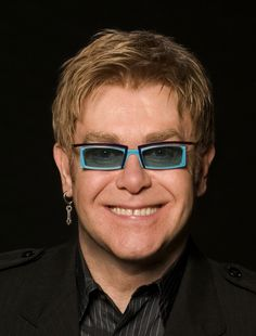 Elton John tonite! I'm so psyched! This ones for you Doug....wish you could have been here for this. :(