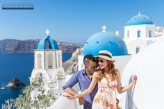 Couple Photographer Santorini Honeymoon Wedding  #santoriniphotographer #santoriniphotography #santoriniweddingphotographer #santoriniphotoshoot www.santophototour.com Santorini Honeymoon, Santorini Wedding, Santorini Greece, Santorini Photographer, Things To Do In Santorini, Honeymoon Photography, Wedding Venues, French Alps, Photoshoot