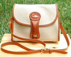 Vtg Dooney and Bourke Cream & Tan Pebbled Leather Essex Crossbody // Two Tone Leather Satchel, Made in USA // Excellent Vintage Condition