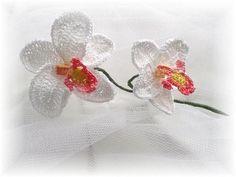 Gehaakte 3-D Orchideeën Applicaties ~ 2 stuks van Titfer Designs op DaWanda.com