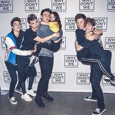 jonah bean dani n the lil girl lookin cute and then jachary Zach Herron, Jack Avery, Corbyn Besson, Future Boyfriend, Future Husband, Meet And Greet Poses, Why Dont We Imagines, Why Dont We Band, Boy Bands